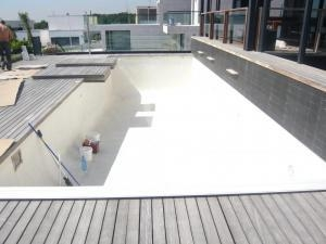 piscina blanco ibiza